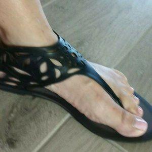 ZARA Trafaluc Women's Black Toe Post Sandals